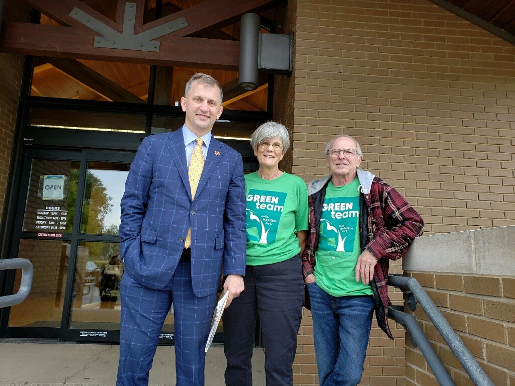 Green Team Illinois volunteers with Congressman Sean Casten
